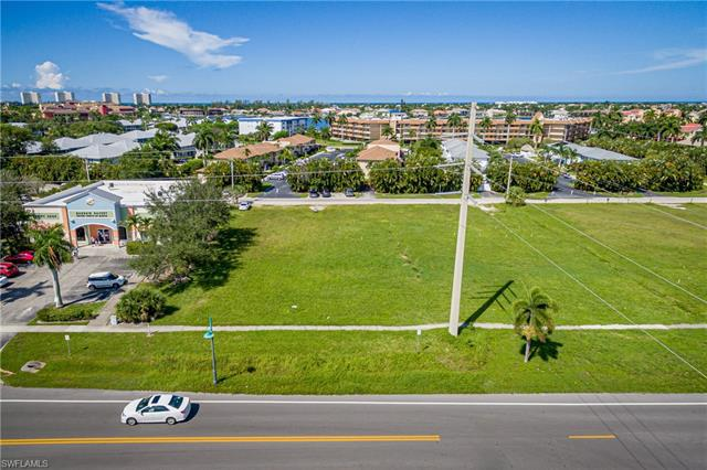 Investment Property Listing photo of 760 Bald Eagle Dr, Marco Island, FL 34145. Copyright by the original media creators. Check out this listing on https://european-atlantic.com to see all property information. Do not re-distribute, re-use or hotlink any images used in our investment real estate listings. Images will be removed immediately after property is sold or off-market.