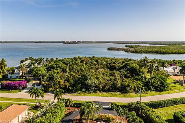 Investment Property Listing photo of 849 Caxambas Dr, Marco Island, FL 34145. Copyright by the original media creators. Check out this listing on https://european-atlantic.com to see all property information. Do not re-distribute, re-use or hotlink any images used in our investment real estate listings. Images will be removed immediately after property is sold or off-market.