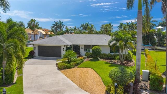 Investment Property Listing photo of 1560 Bluefin Ct, Naples, FL 34102. Copyright by the original media creators. Check out this listing on https://european-atlantic.com to see all property information. Do not re-distribute, re-use or hotlink any images used in our investment real estate listings. Images will be removed immediately after property is sold or off-market.